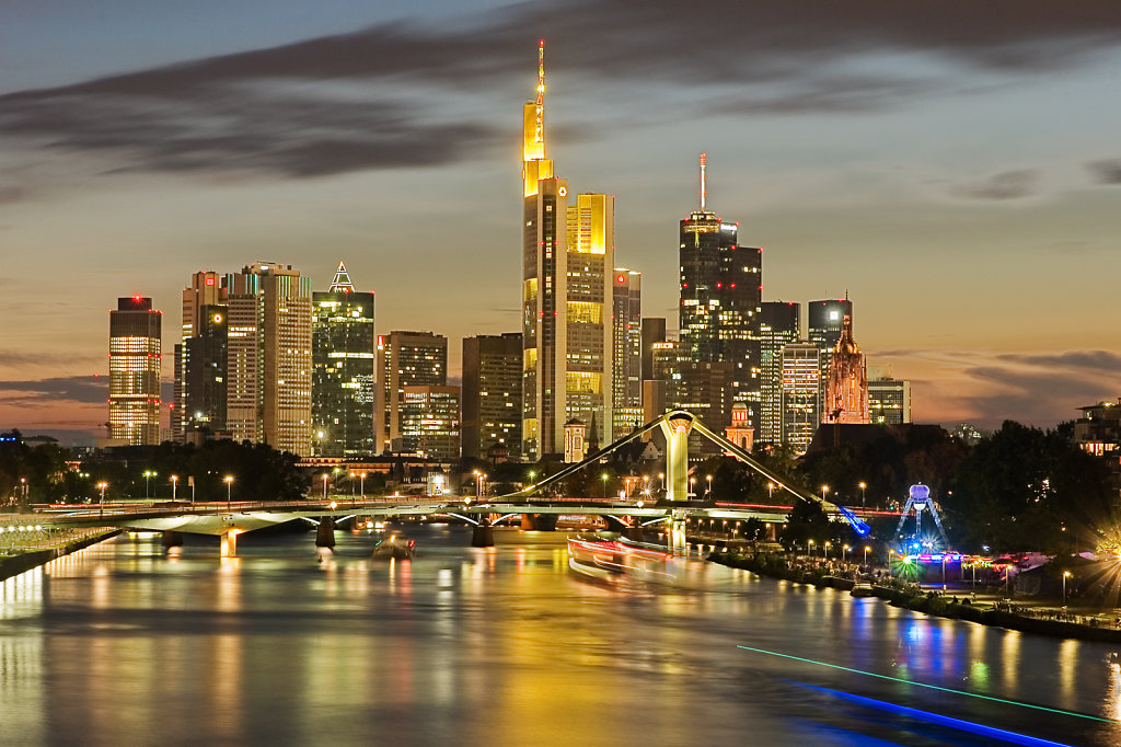 DSC-0288-90-Fankfurt-Skyline-Bearbeitet.jpg