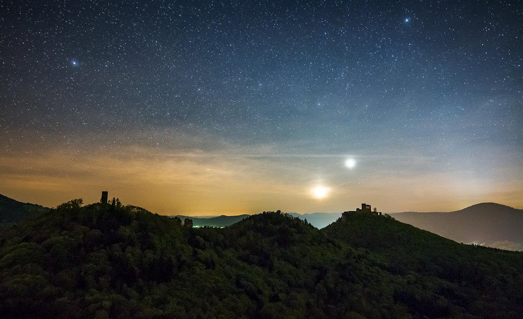 UFO over Castel Trifels